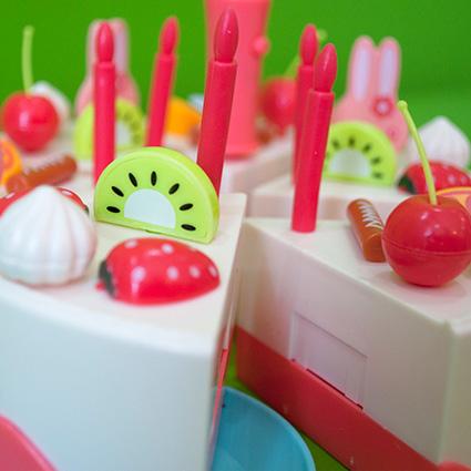 اسباب بازی برش کیک تولد Birthday